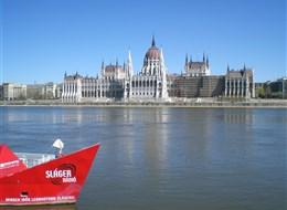 Maďarsko v- Budapešť - novogotický parlament, postaven na přelomu 19. a 20.století, 691 místností
