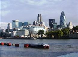 Londýn a královský Windsor letecky 2020 Anglie Velká Británie - Anglie - Londýn není jen klasika, ale i moderní stavby nad Temží
