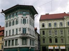 Advent v Lublani, J. Plečnik a termální lázně 2020  Slovinsko, Lublaň, náměstí, secesní dům