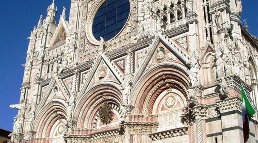 Gurmánské Toskánsko a oblast Chianti 2022  Itálie - Umbrie - Siena, průčelí katedrály, katedrála postavená v letech 1215-1285, průčelí 1380