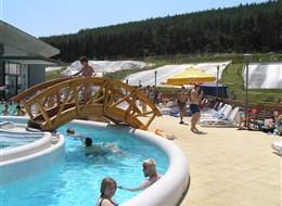 Maďarsko - Egerszalók - termální lázně, voda teplá až 60°C,  léčí choroby pohybového ústrojí